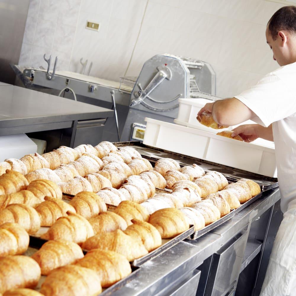 Food_Bread_Production_Man.tiff
