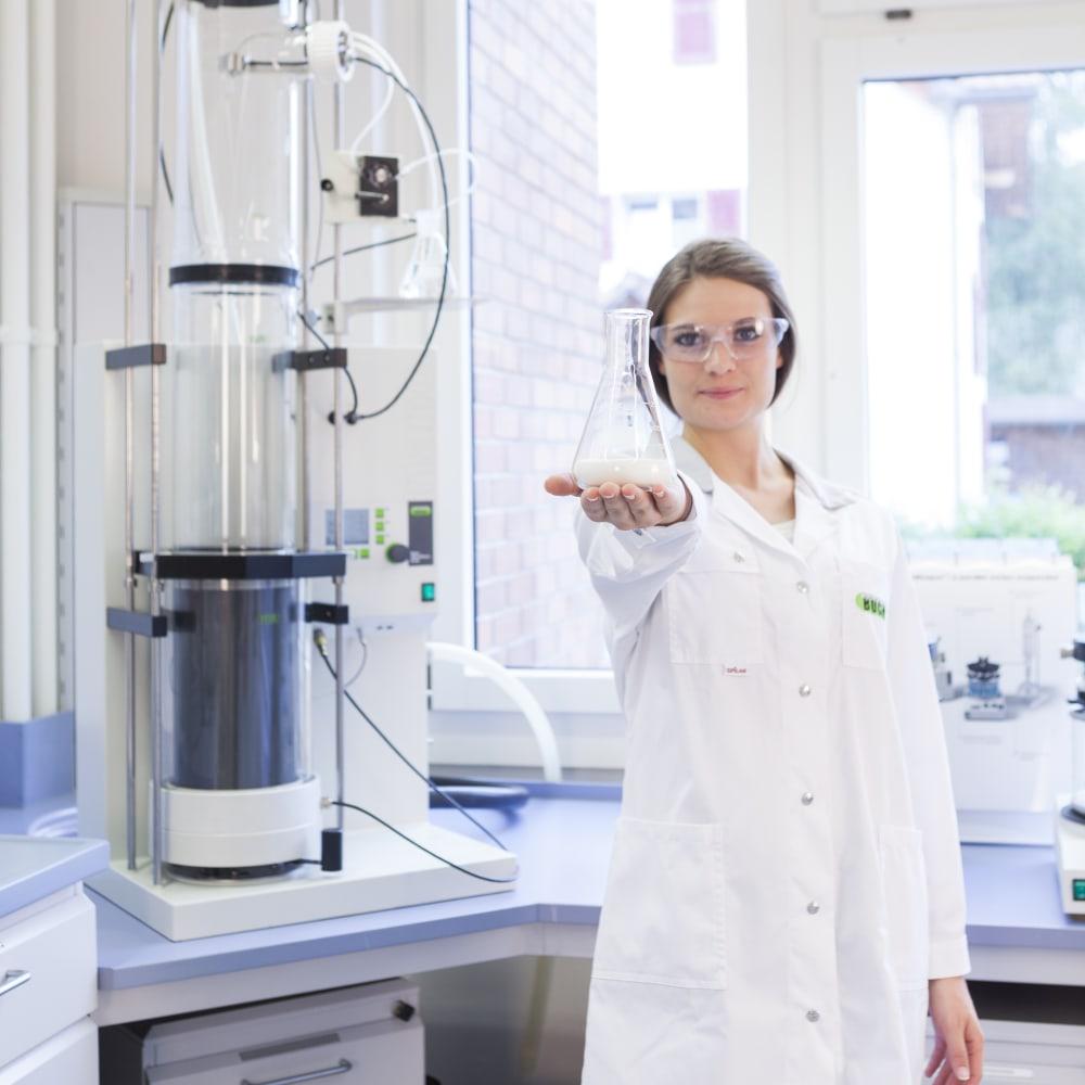 Woman_Laboratory_Flask_03.tiff