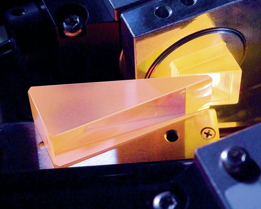 Interferometer polarisasi BUCHI